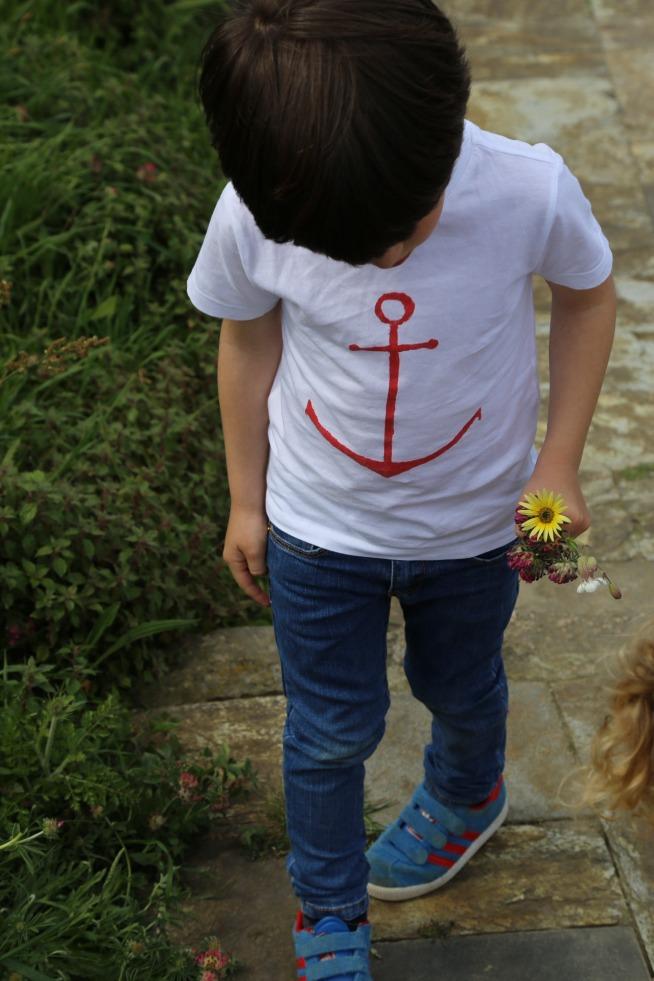 pintando, camisetas