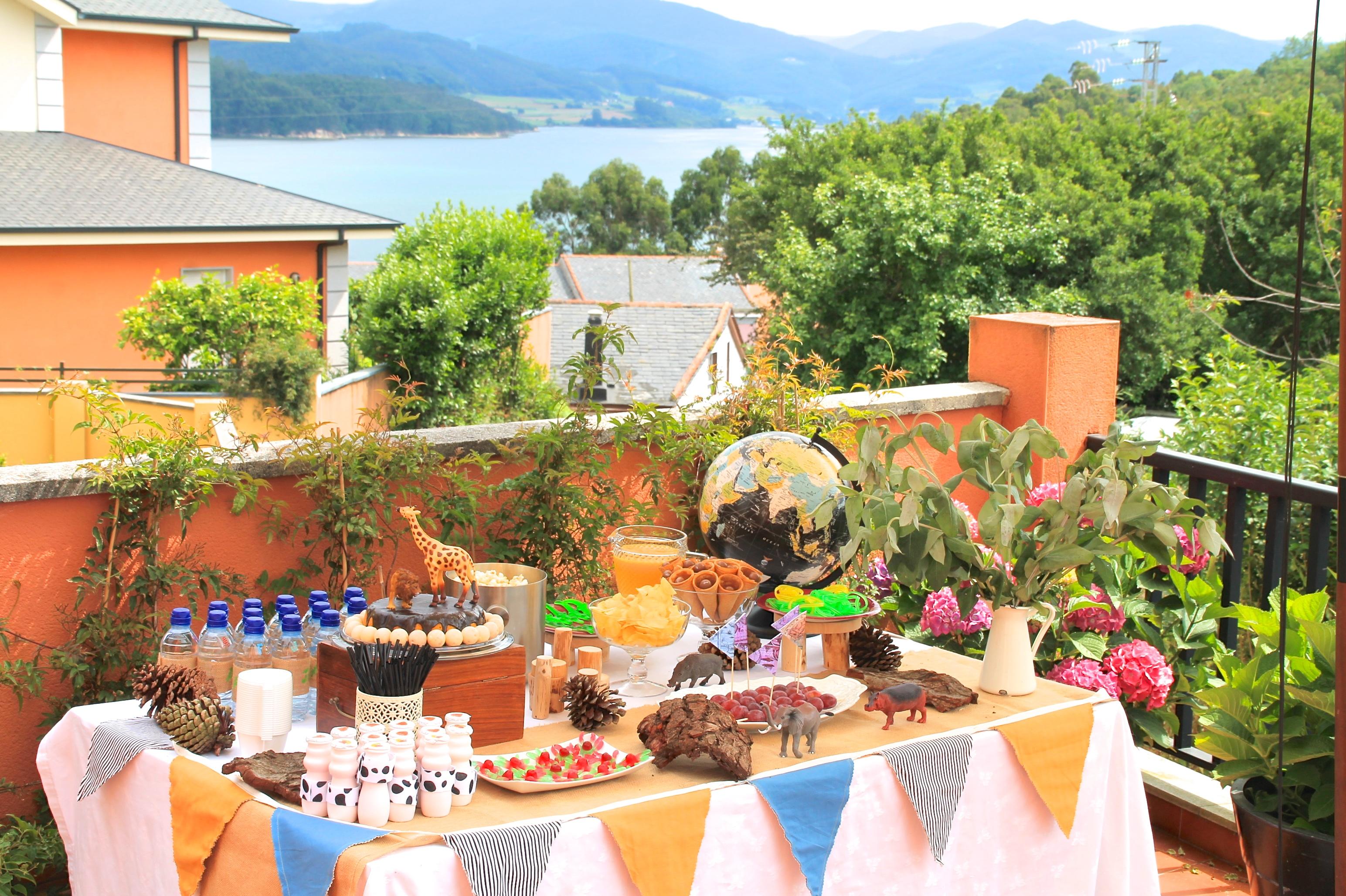 Segundo cumplea os en diez dias una fiesta de exploradores - Como decorar una mesa para una fiesta ...